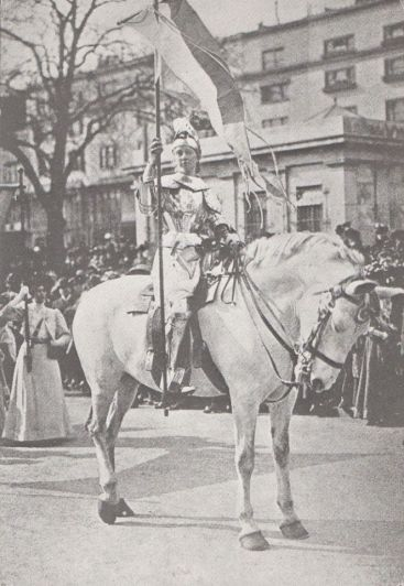 elsie howey as joan of arc.jpg